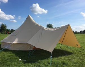 Tent_awning_543c2f0a-9f54-49c6-98bf-eb9f2a37f075